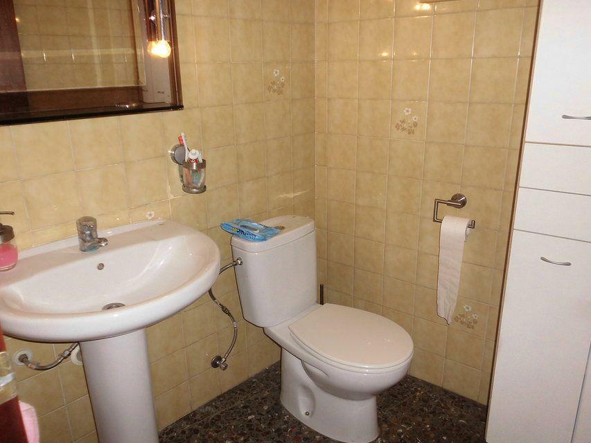 Piso en venta con 3 habitaciones y balcón Zona Alta-bano