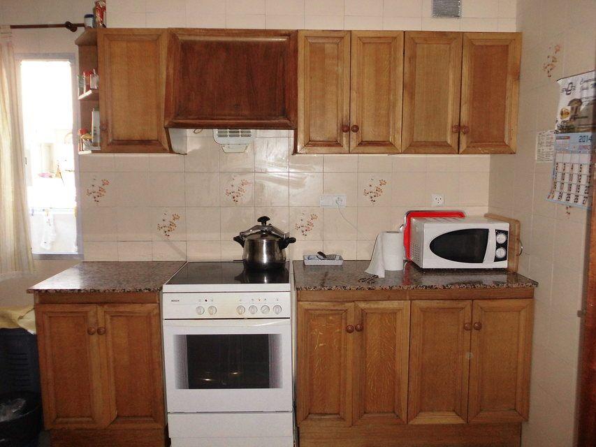 Piso en venta con 3 habitaciones y balcón Zona Alta-cocina