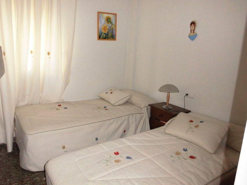 Piso en venta con 3 habitaciones y balcón Zona Alta-habitacion1