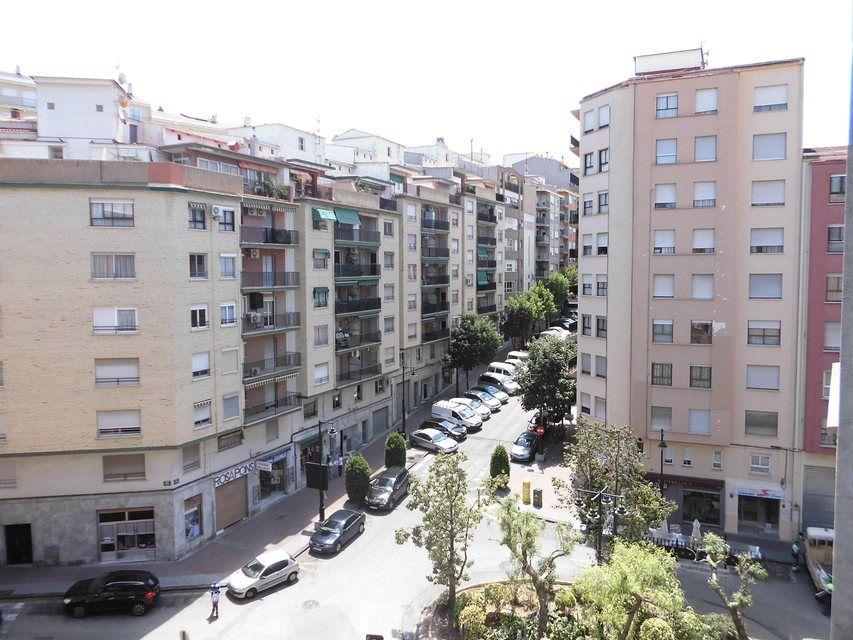 Piso en venta con 3 habitaciones y balcón Zona Alta-vistas