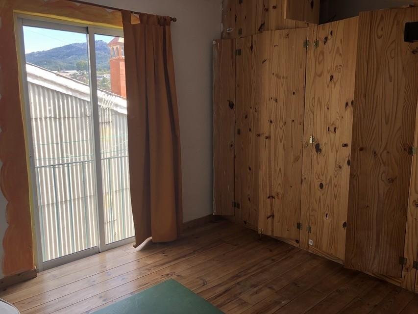 Piso-en-venta-con-abuardillado-en-la-zona-Centro-habitacion1