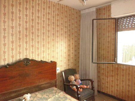 Piso en venta con balcón para reformar en Zona Norte-habitacion