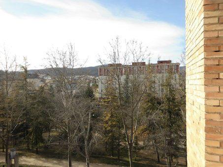 Piso en venta con balcón para reformar en Zona Norte-vistas 5