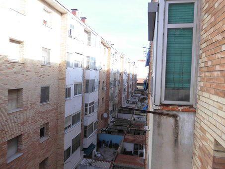 Piso en venta con balcón para reformar en Zona Norte-vistas 8