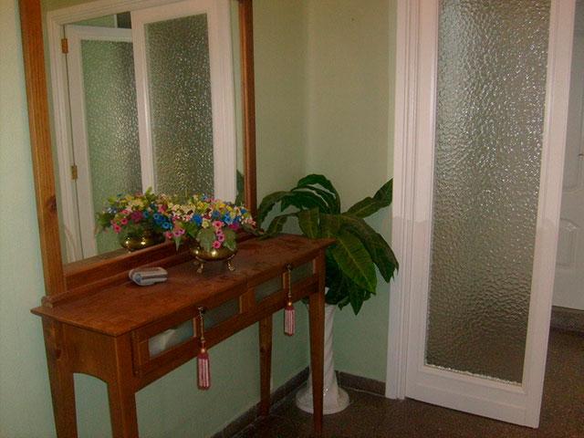 Piso en venta con bonitas vistas en la zona de Santa Rosa-pasillo