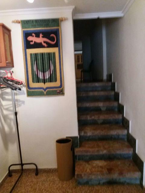 Piso en venta con buen vecindario en Zona Centro-escaleras
