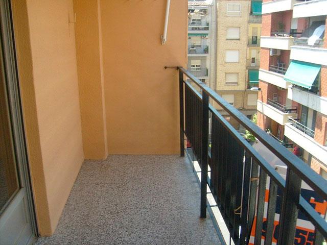 Piso en venta con buenas condiciones en la zona Santa Rosa-balcon