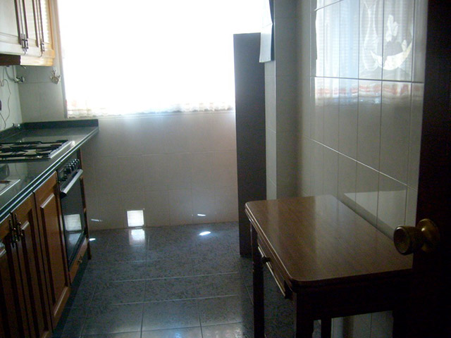 Piso en venta con buenas condiciones en la zona Santa Rosa-cocina 2