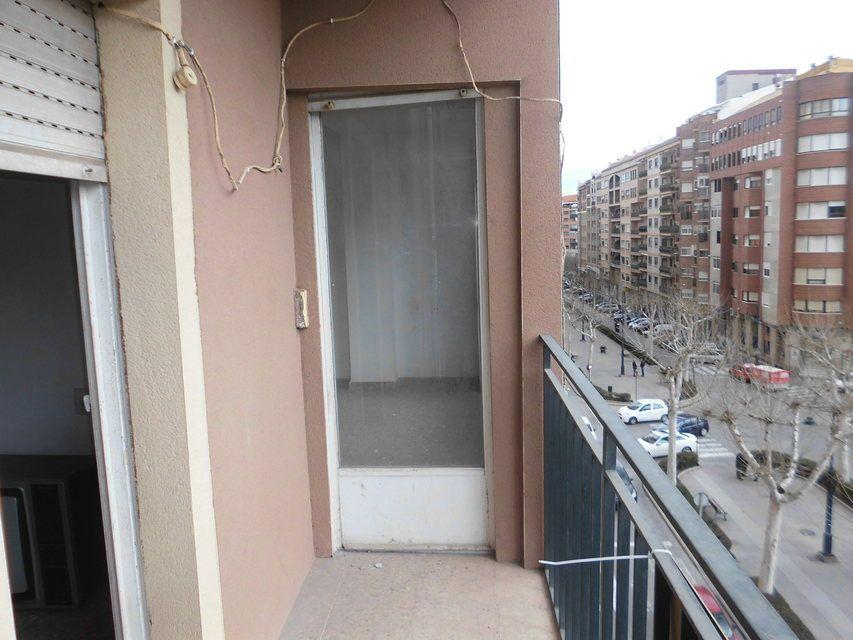 Piso en venta de 3 habitaciones con galería en Zona Norte-balcon