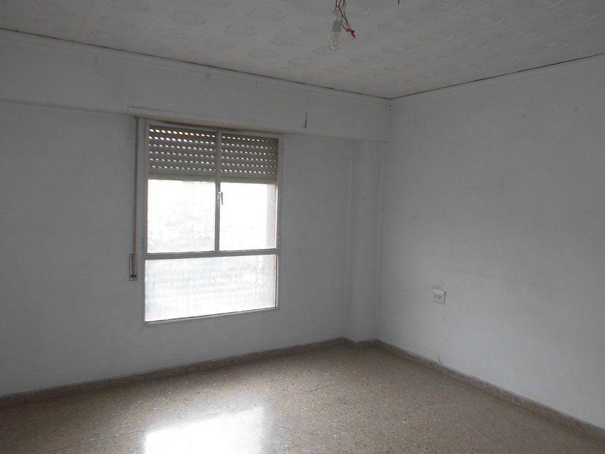 Piso en venta de 3 habitaciones con galería en Zona Norte-habitacion 3