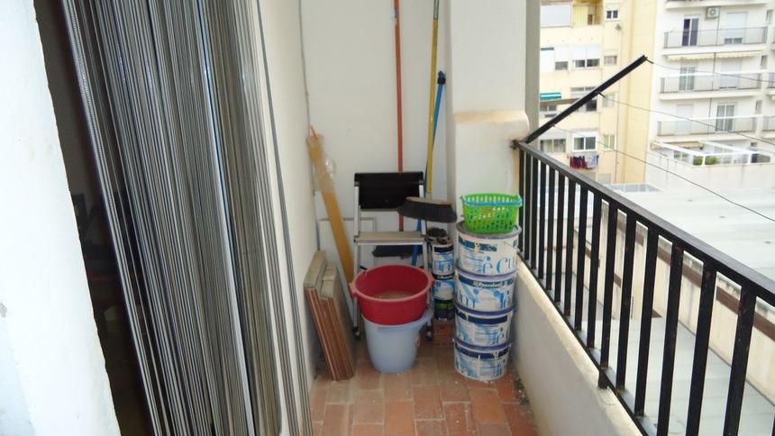Piso-en-venta-todo-reformado-y-con-2-balcones-en-Santa-Rosa-balcon1