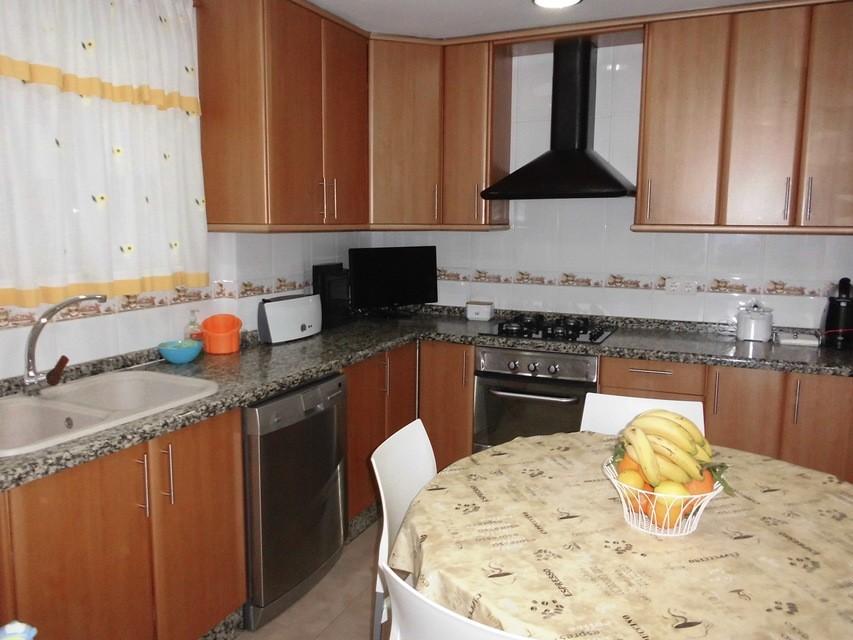 Piso-en-venta-totalmente-interior-y-reformado-en-Santa-Rosa-cocina