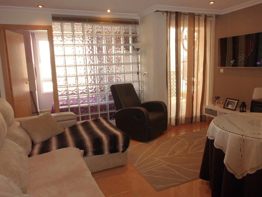 Piso-en-venta-totalmente-interior-y-reformado-en-Santa-Rosa-salon-comedor3