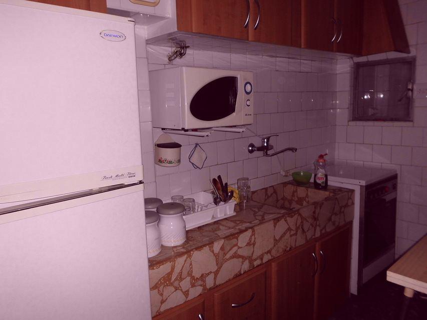 Piso-equipado-frente-a-la-plaza-en-la-zona-de-Santa-Rosa-cocina