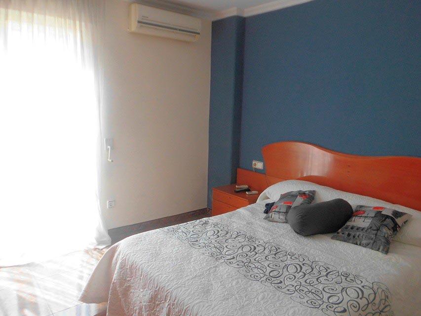 Piso moderno en Ensanche-habitacion