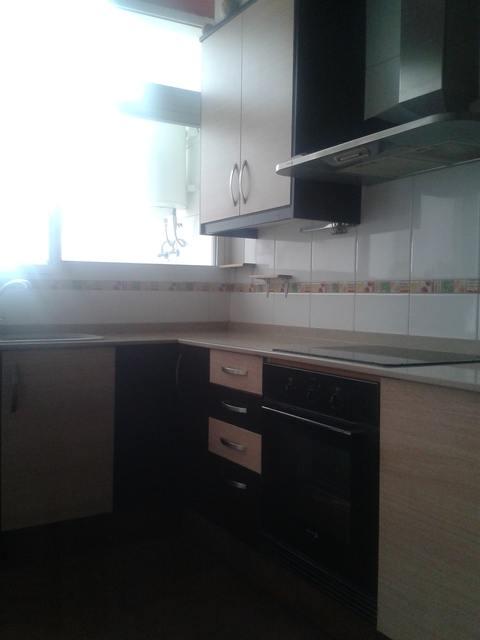 Piso muy amplio con terraza en Zona Alta-cocina 2