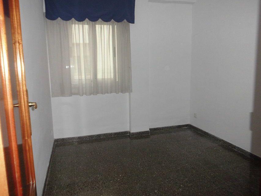 Piso-muy-bonito-en-venta-con-3-habitaciones-en-Santa-Rosa-habit1