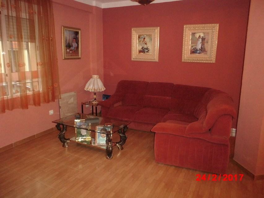 Piso-muy-bonito-en-venta-con-cocina-con-terraza-en-Santa-Rosa-salon