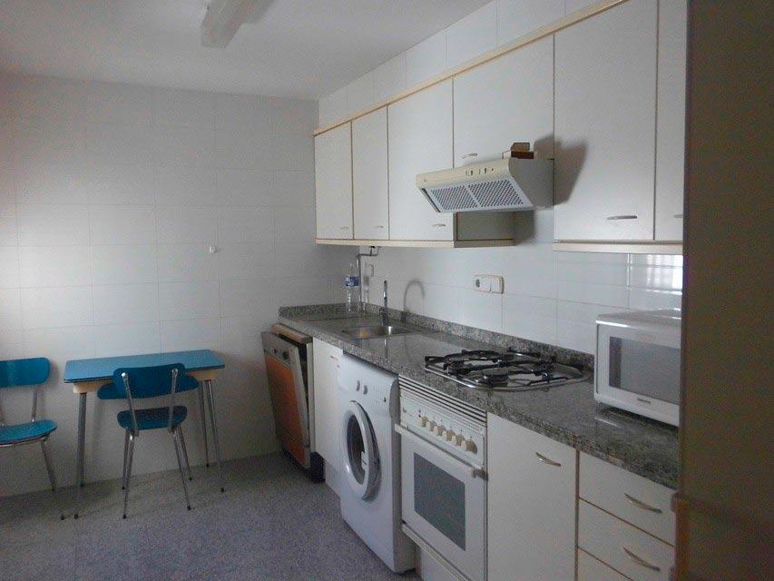 Piso muy espacioso en la Zona Centro-cocina 3