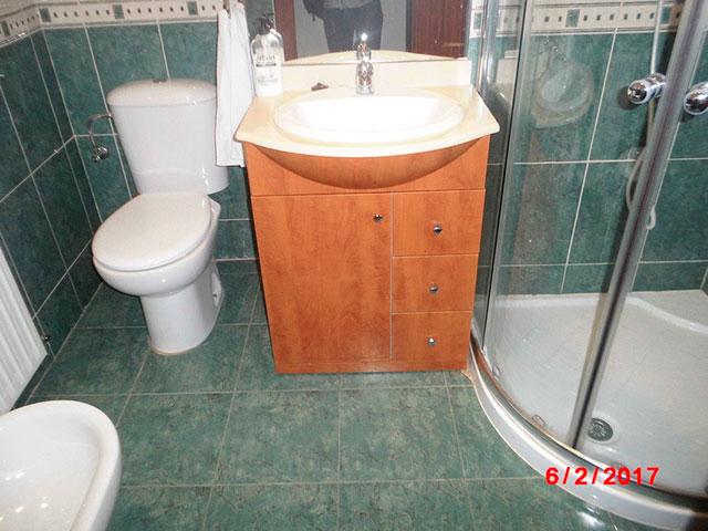 Piso muy soleado con 3 habitaciones en la Zona Alta-banyo 2