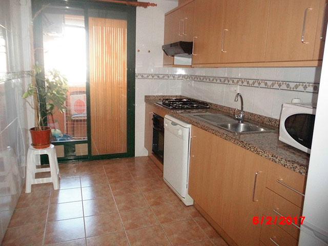 Piso muy soleado con 3 habitaciones en la Zona Alta-cocina