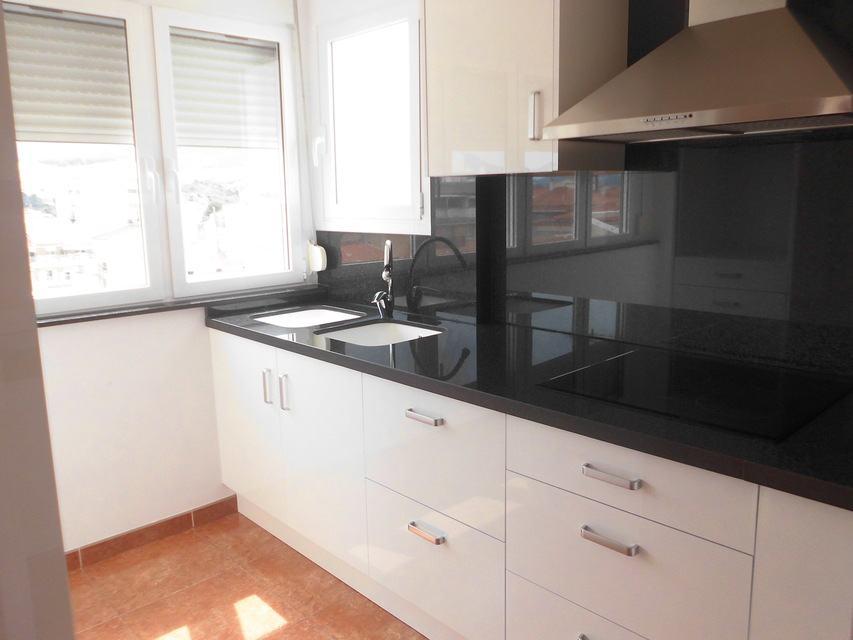 Piso nuevo y luminoso en Ensanche-cocina 3
