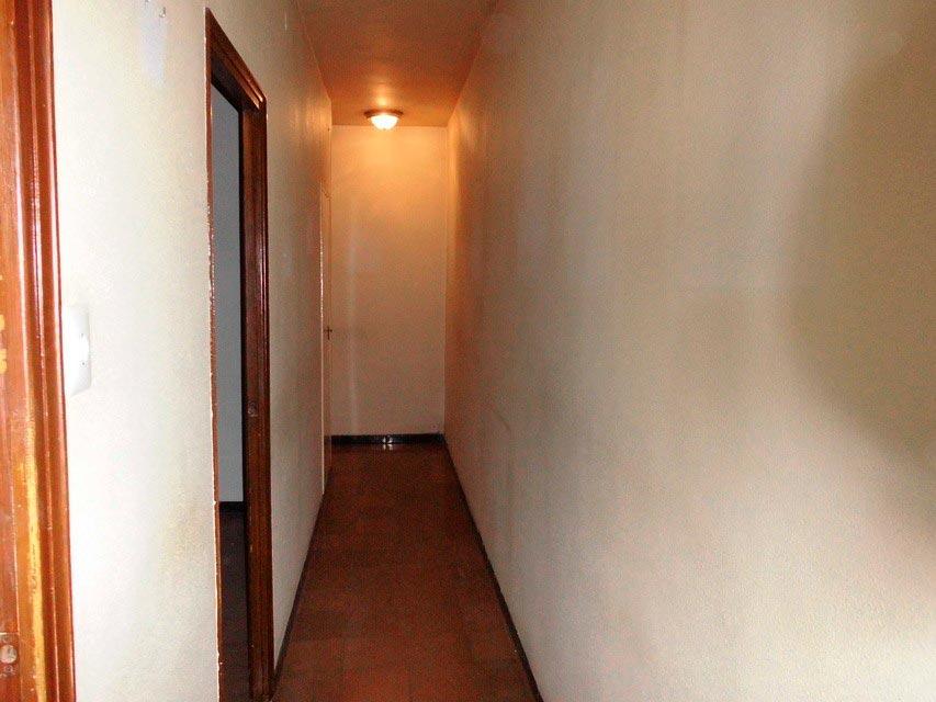 Piso para reformar completamente en Santa Rosa-pasillo 2