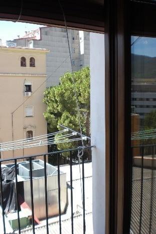 Piso-reformado-y-amueblado-en-Ensanche-balcon