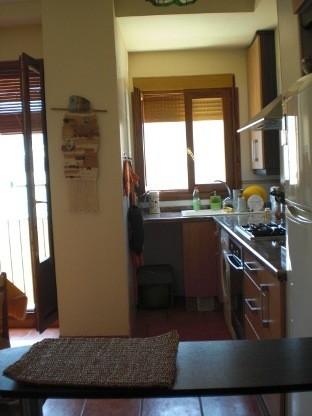 Piso-reformado-y-amueblado-en-Ensanche-cocina-office