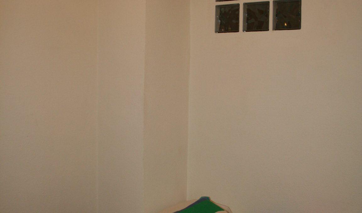 Piso-semi-amueblado-en-zona-Ensanche-cuarto2