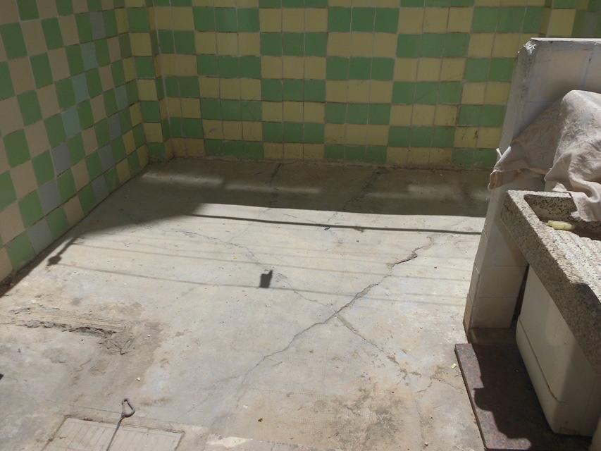 Piso-semi-reformado-en-venta-en-la-zona-de-Santa-Rosa-galeria