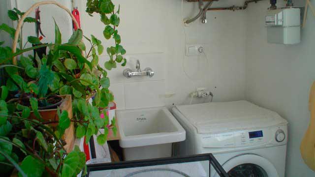 SE VENDE BONITO PISO EN EL CENTRO DE ALCOY-lavadero