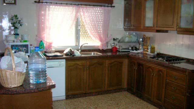 SE VENDE CHALET EN LA SIERRA MARIOLA DE 200m²-cocina