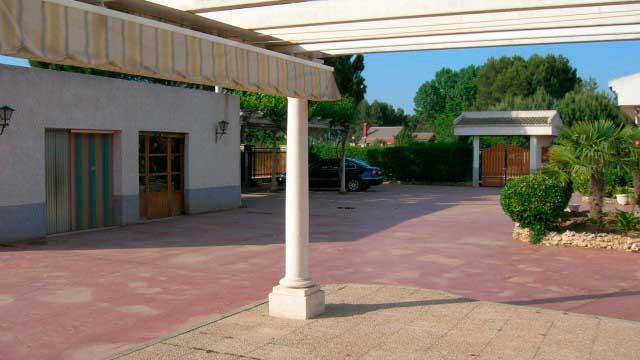 SE VENDE CHALET EN LA SIERRA MARIOLA DE 200m²-exterior