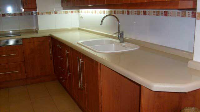 SE VENDE PISO DE 124 m² EN EL CENTRO DE ALCOY-cocina3