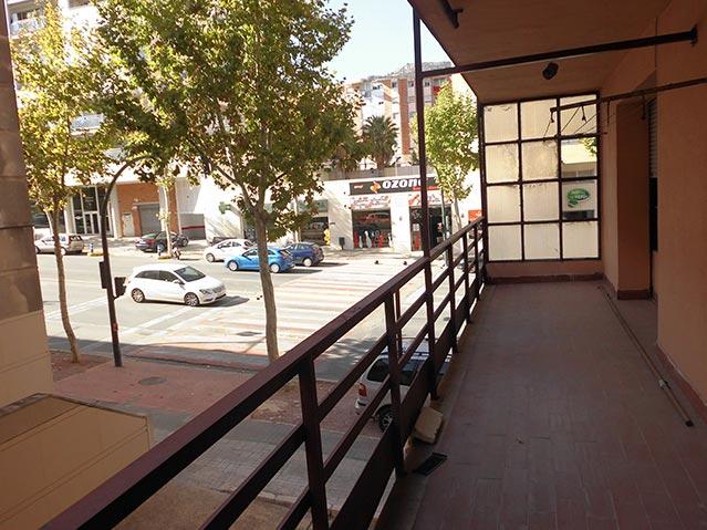 Se vende Piso barato en calle Valencia-balcon 2