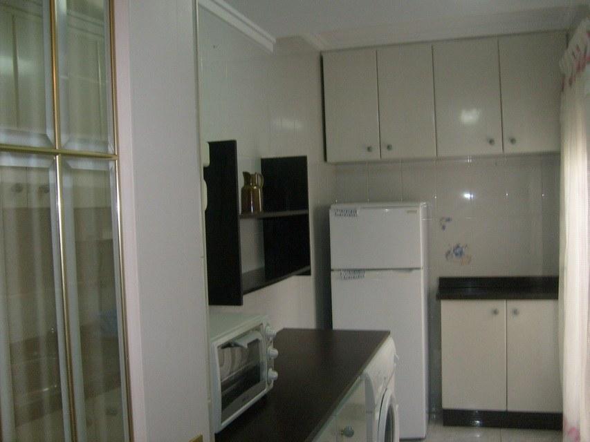 Se-vende-bonito-piso-Zona-Norte-cocina-2