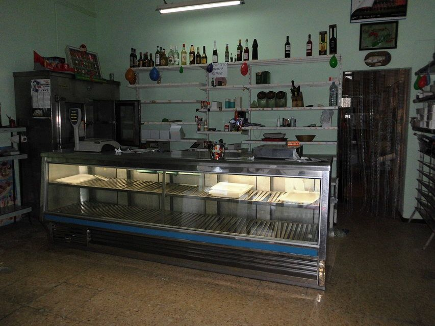 Se-vende-comercio-en-Santa-Rosa-mostrador