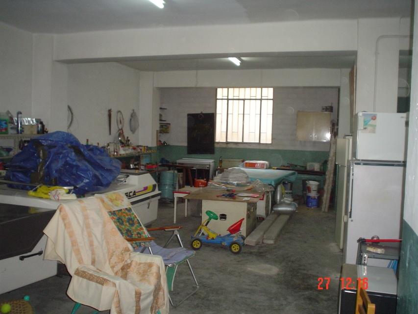 Se-vende-estupendo-garaje-interior-2