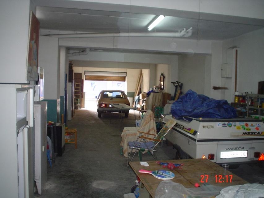 Se-vende-estupendo-garaje-interior-3