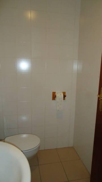 Se-vende-gran-local-en-Zona-Norte-baño
