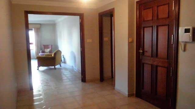 Se vende gran piso en el centro de Alcoy-pasillo 2