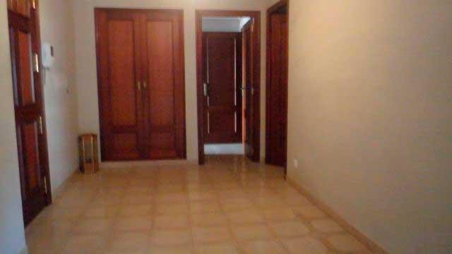 Se vende gran piso en el centro de Alcoy-pasillo