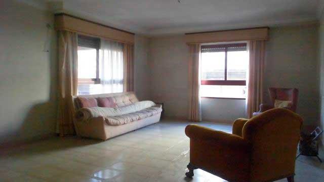 Se vende gran piso en el centro de Alcoy-salon