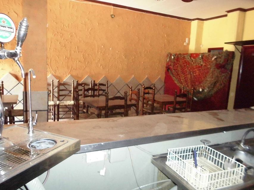 Se-vende-local-bar-en-Santa-Rosa-mesas