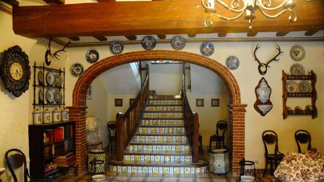 Se vende masía rústica en Bocairent-escaleras interior