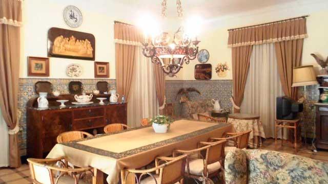 Se vende masía rústica en Bocairent-salon
