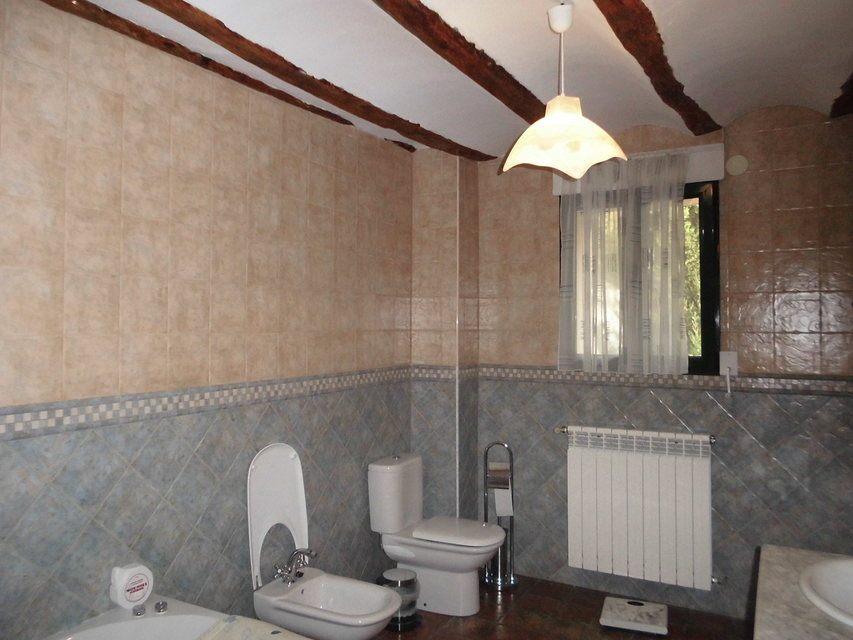Se-vende-masía-rural-en-Alcoy-baño
