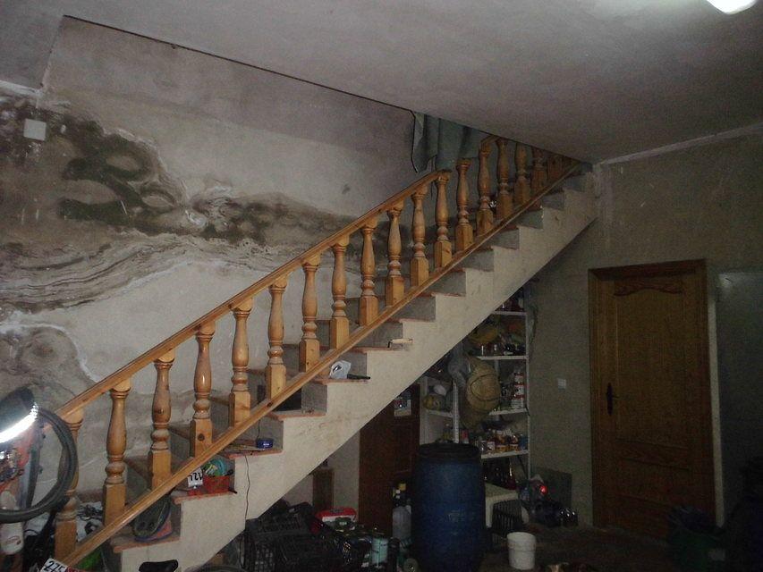 Se-vende-masía-rural-en-Alcoy-escaleras