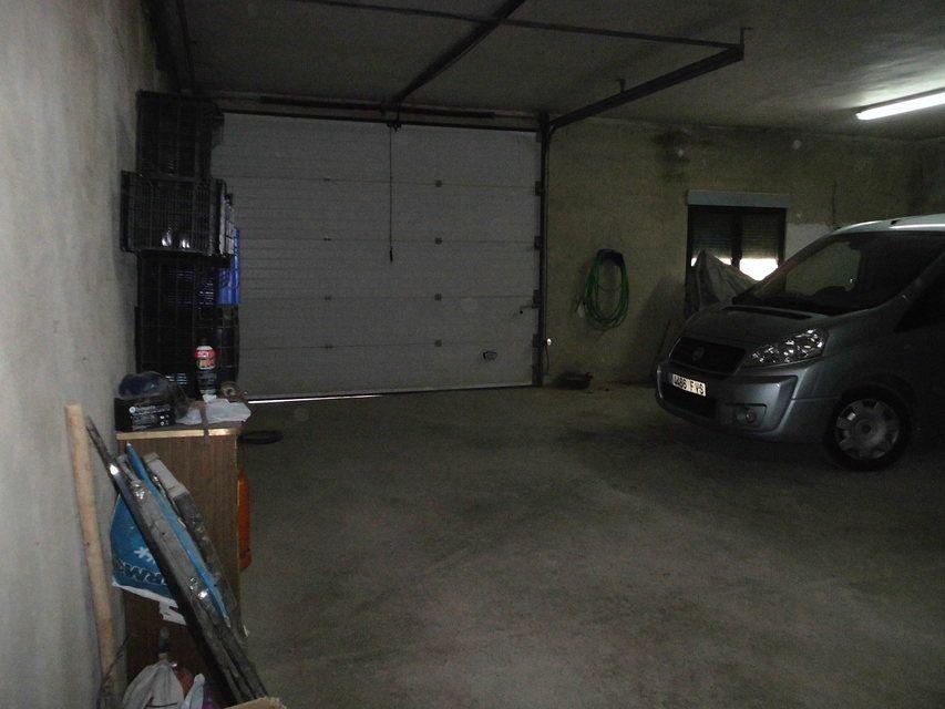 Se-vende-masía-rural-en-Alcoy-garaje